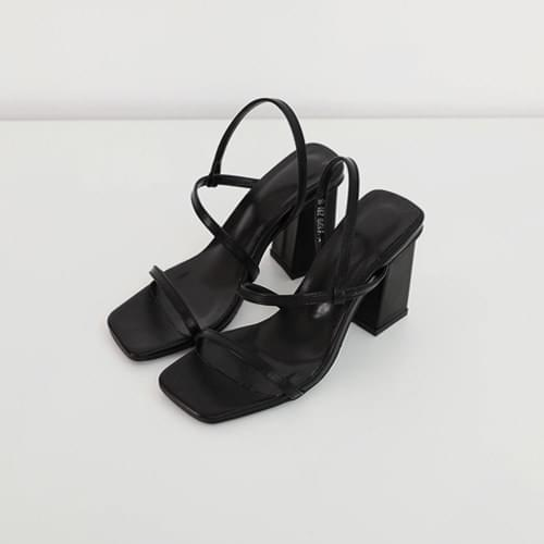 Tear strap sandal heel