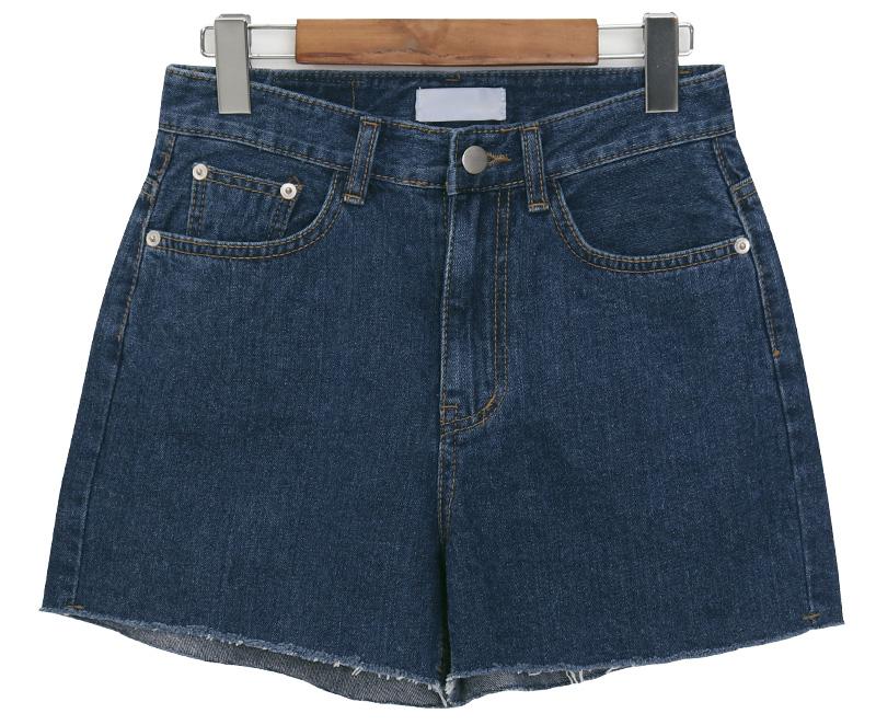 Easy cutting denim shorts_J