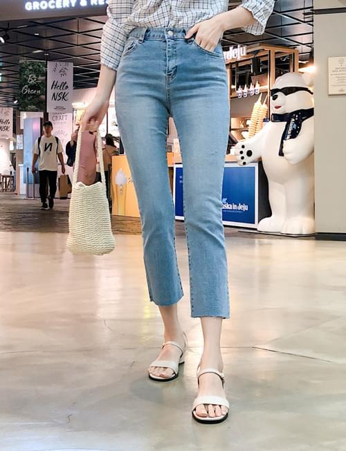 Simple mood denim pants