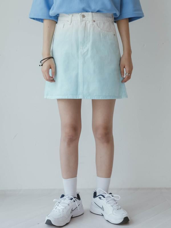 Pigment gradient skirt
