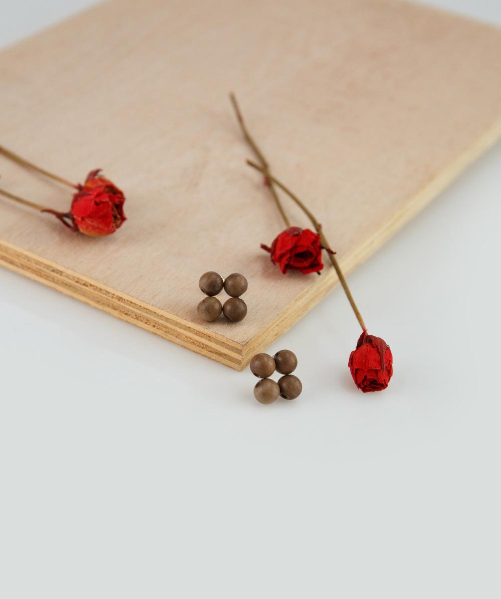 wood ball flower earring