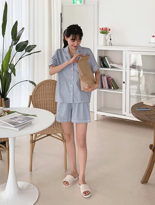 Check pajama set _R
