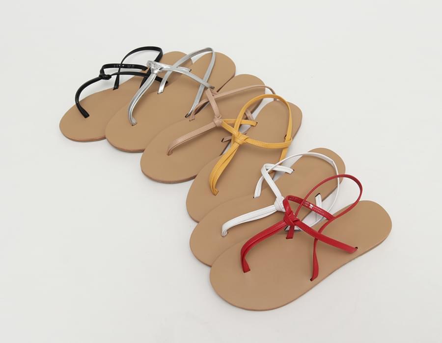 Hold t-strap sandal_C
