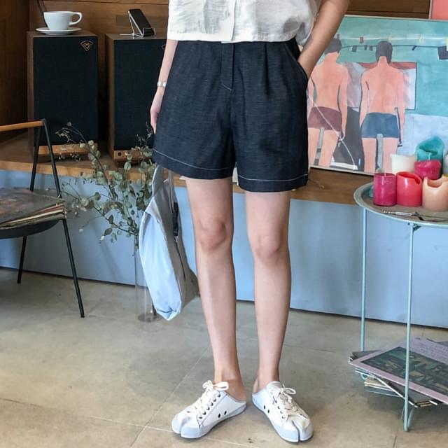 Stitched Linen Short Pants