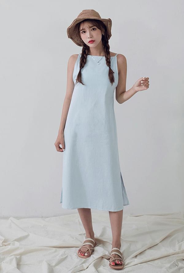 Strap backpoint denim dress