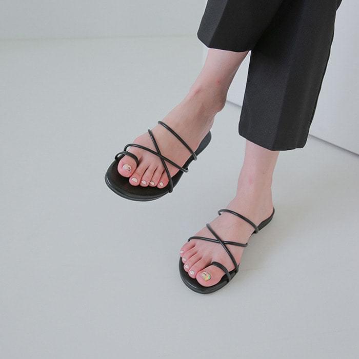 String Slipper