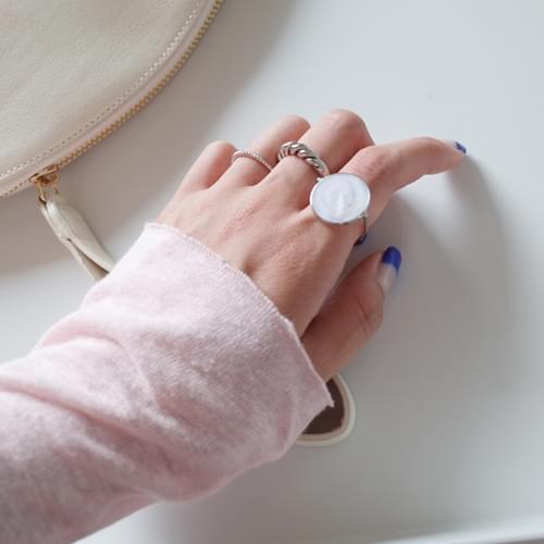 Gemstone ring ; 2 color