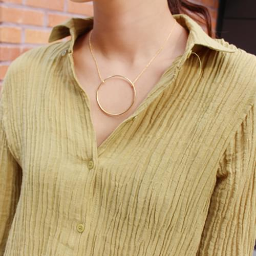 Poing ring necklace ; one color