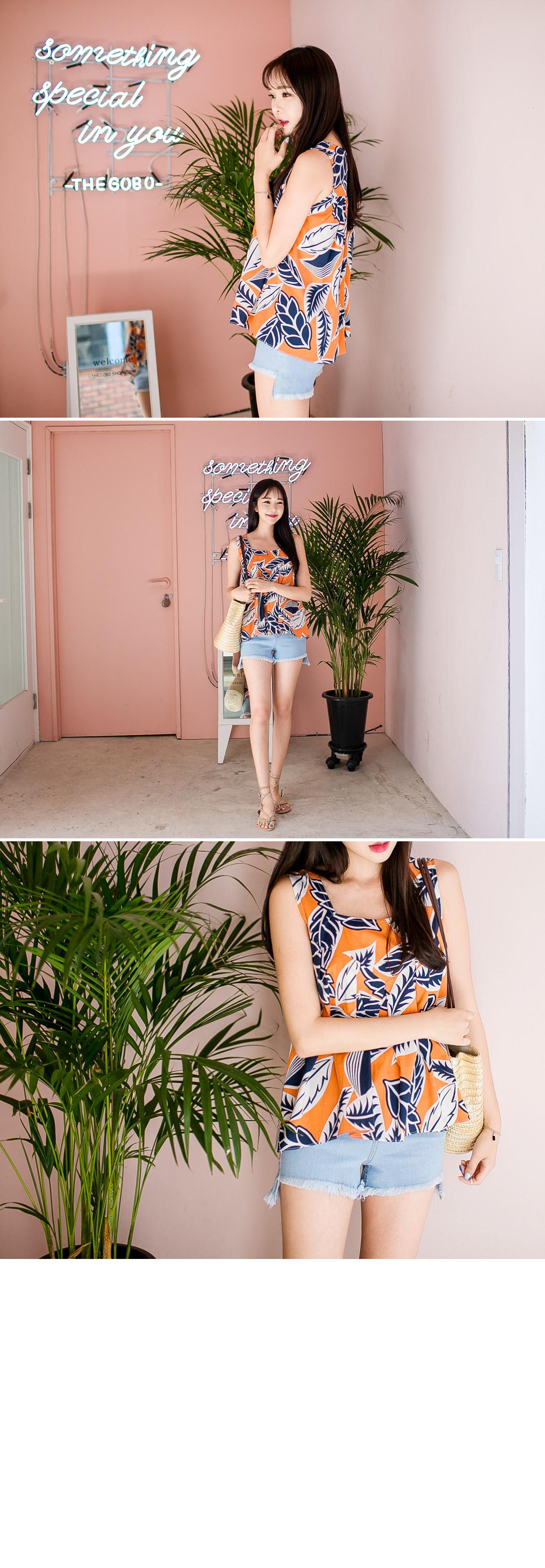 Square flower blouse