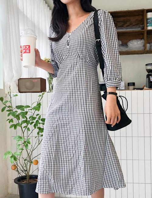 One-piece check dress at a glance
