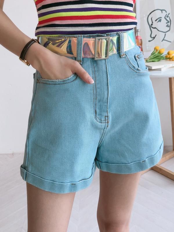 Soft-open denim shorts
