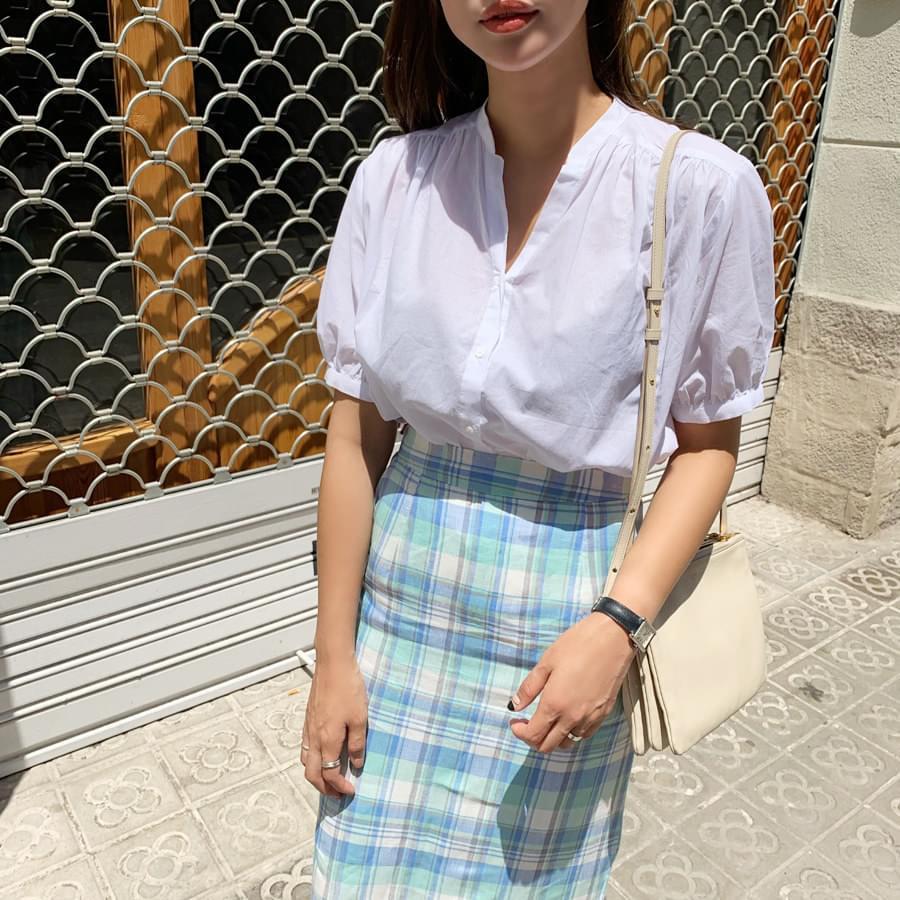 Nokarah shirring blouse