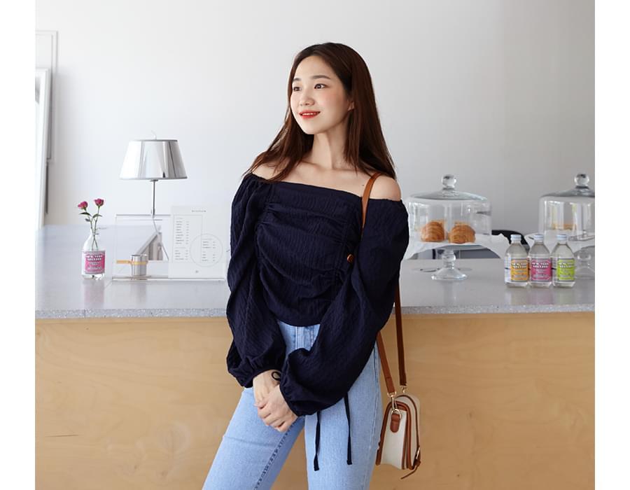 Shirring off shoulder blouse_H