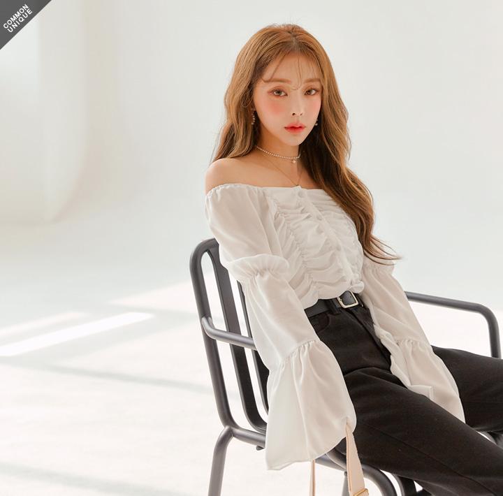 JULIET VOLUME SHIRRING BLOUSEWITH CELEBRITY _ 아이유, 현아, 강민경 착용