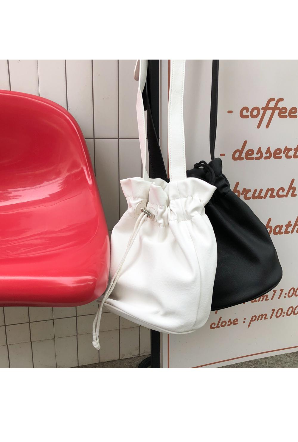 BASIC STRING BAG