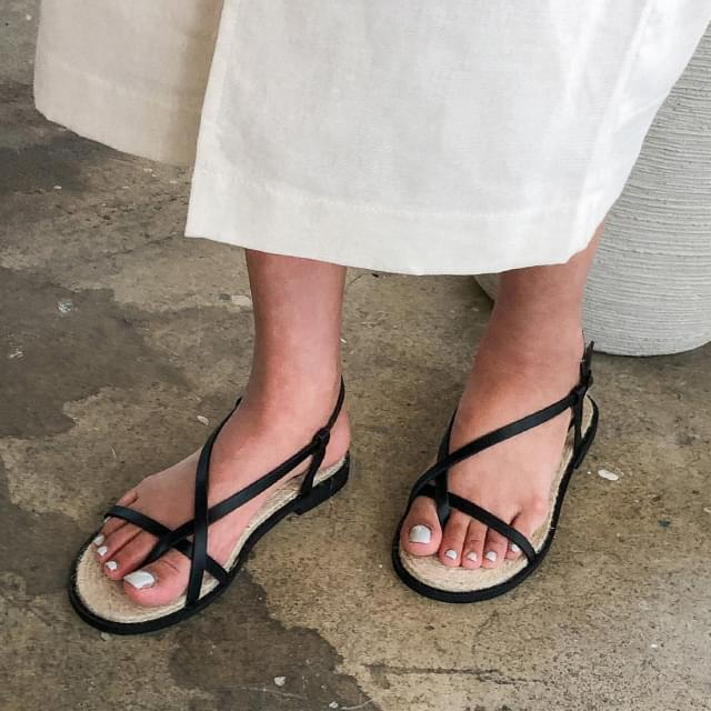 easy strap flip-flop sandal