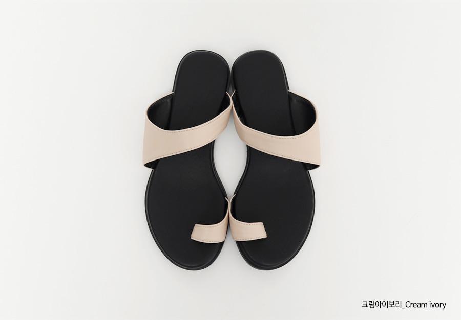 Hide unique strap slipper_C