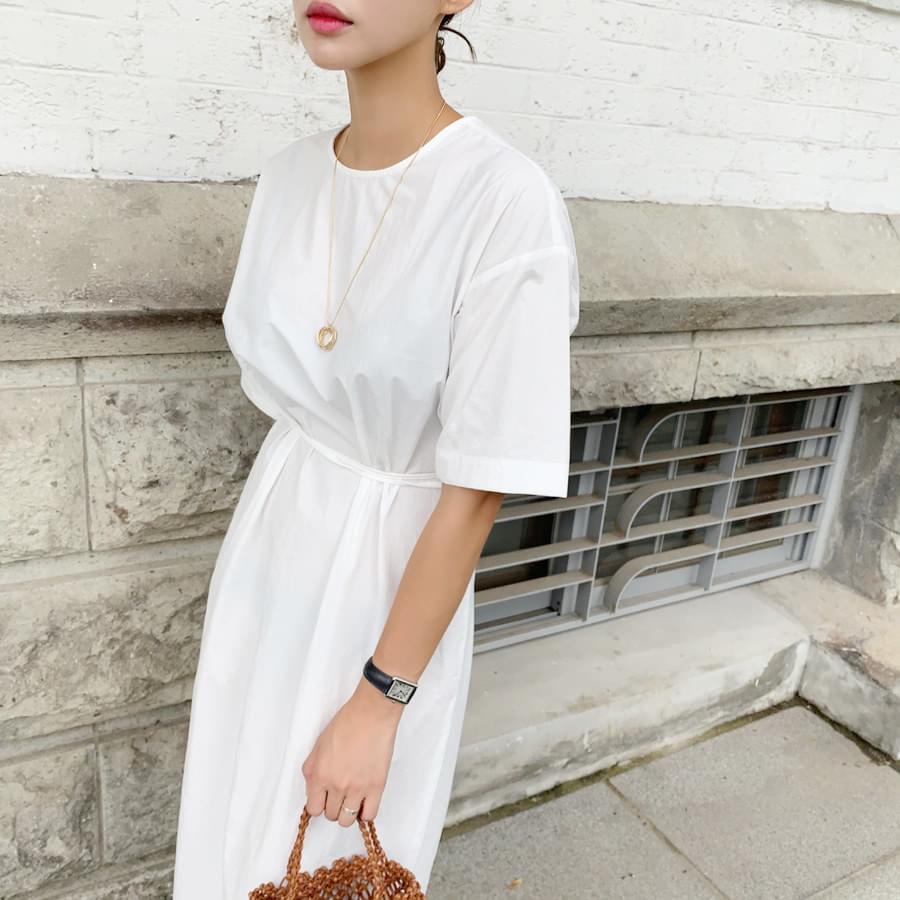 Line strap dress