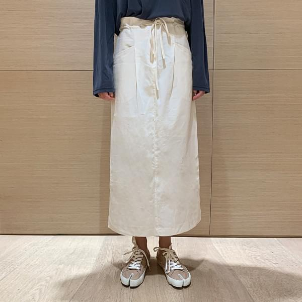 Stringed skirt