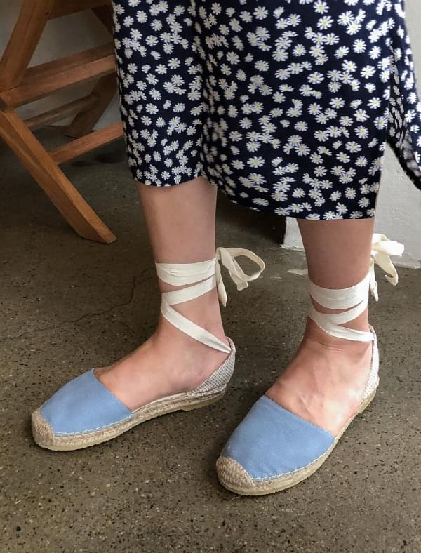 girlish lace-up shoes