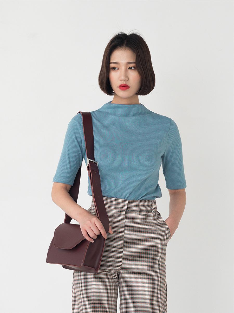 minimal square shape bag