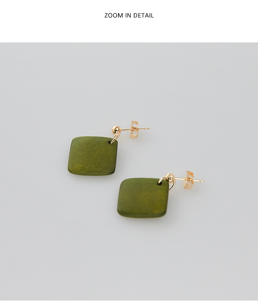 wood rhombus earring