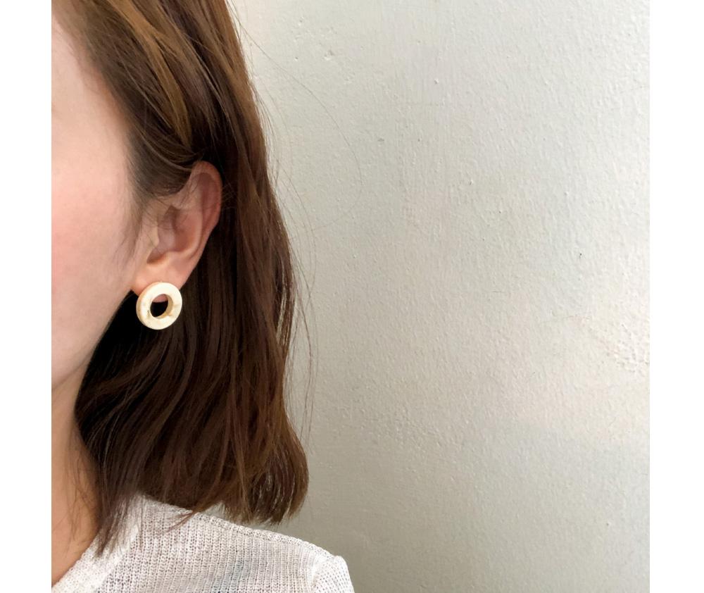 natural circle earring