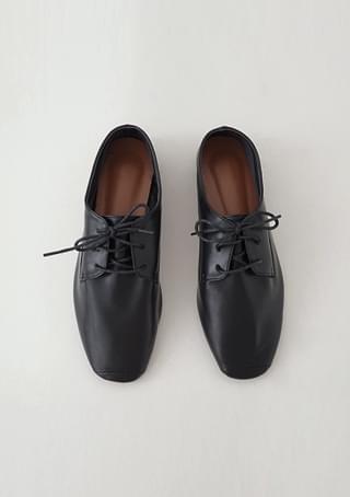 flexible oxford shoes