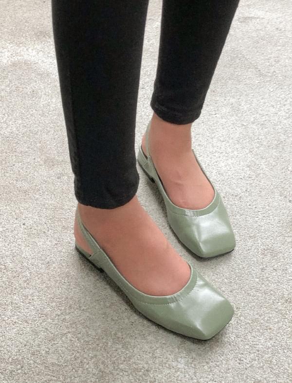 square shape strap shoes
