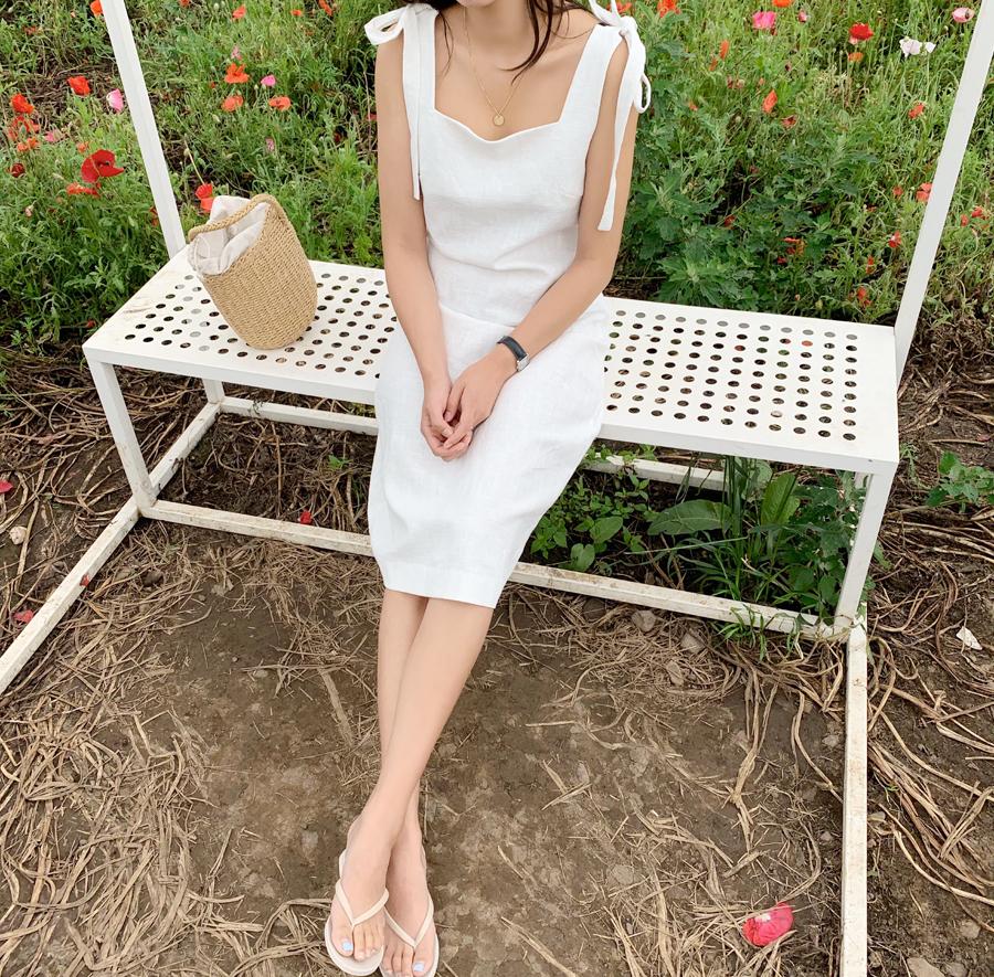 Creamy Ribbon Dress