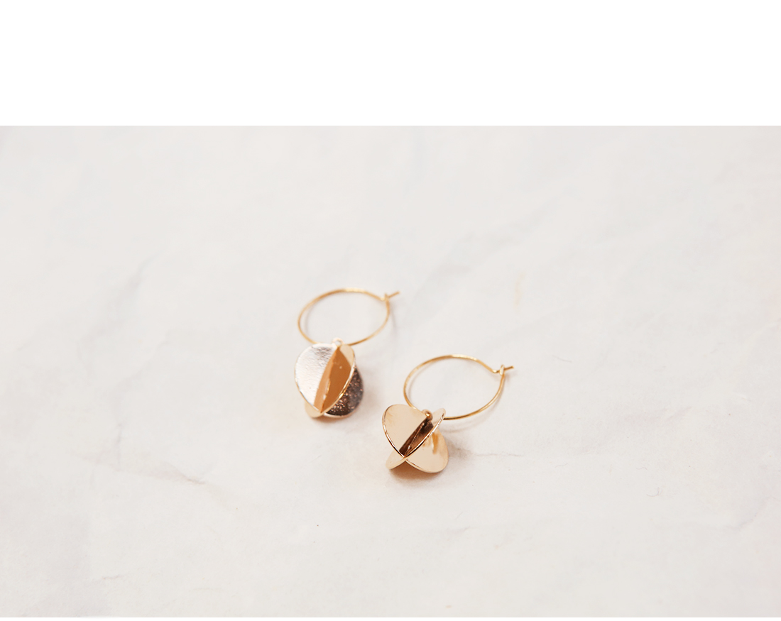 LUX CIRCLE EARRING
