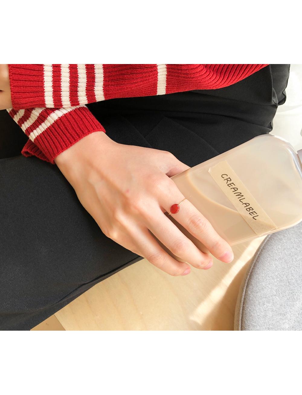 Elegant wine ring