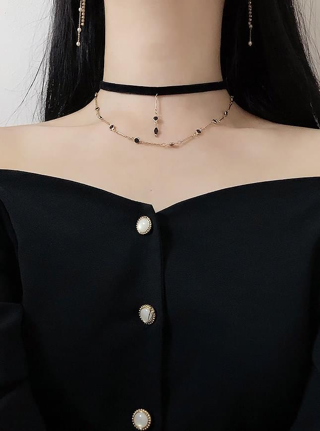 Blackline Velvet Choker Necklace