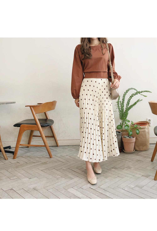 Dot-pleated long skirt