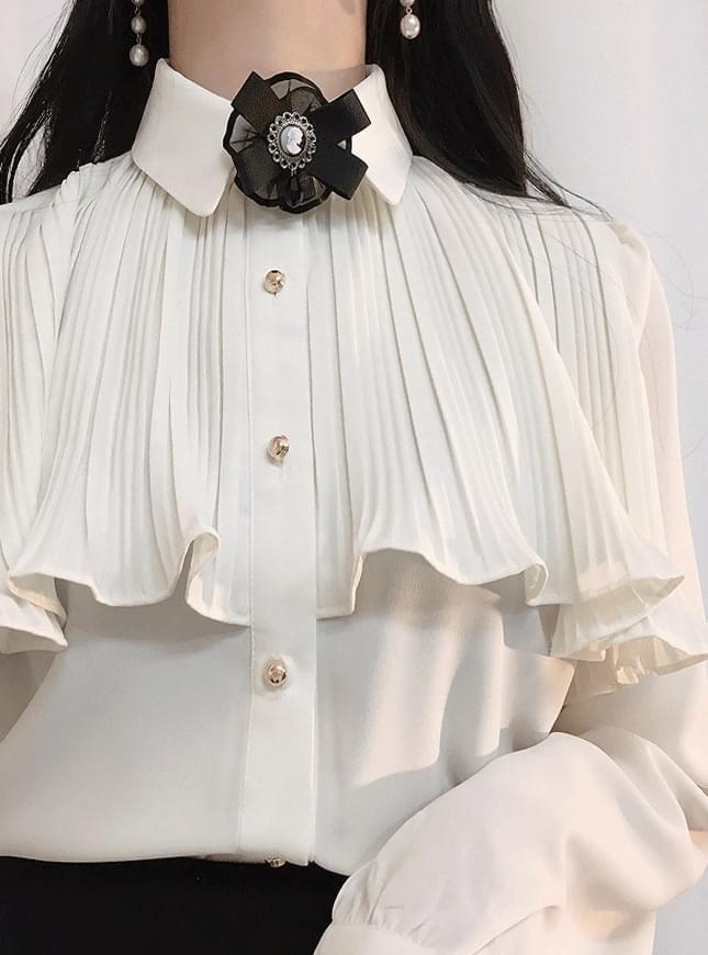 Self-made brooch set angel venus blouse