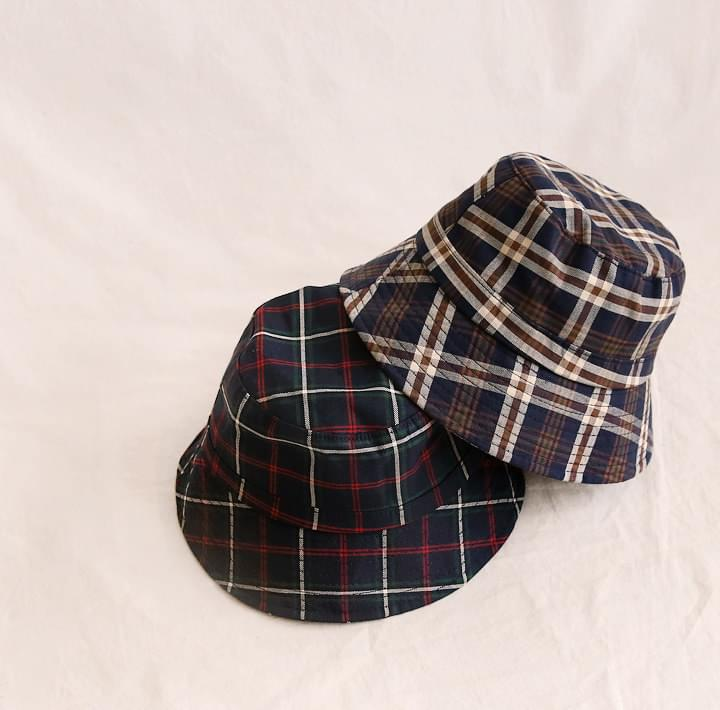 VINTAGE CHECK BUCKET HAT