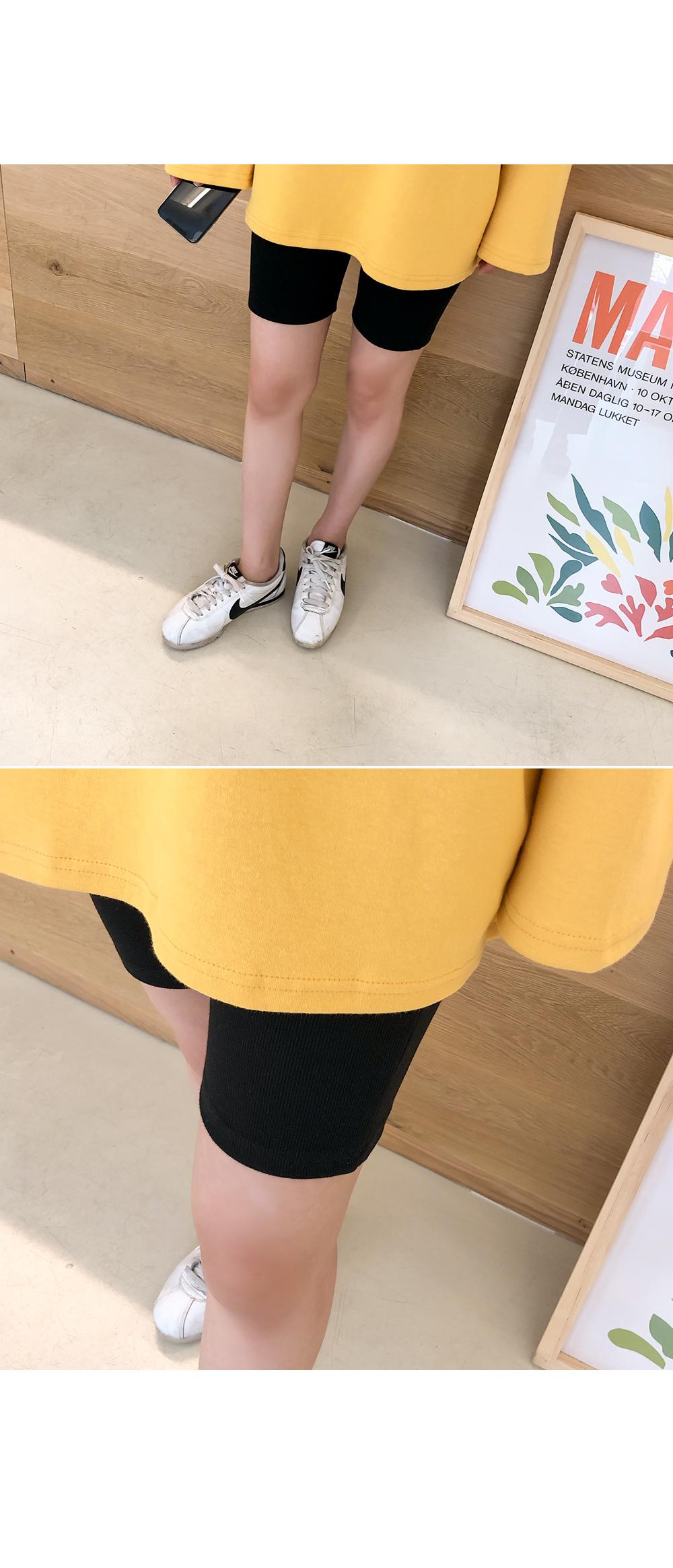 4 pants