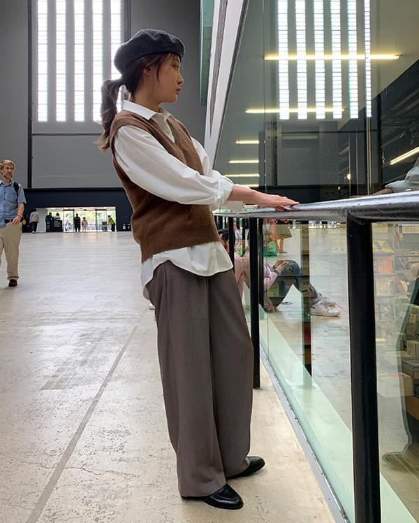 see wide long slacks (s, m)