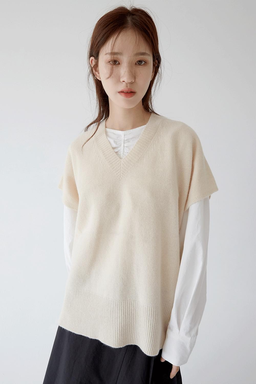 soft lamb texture knit vest (ivory)