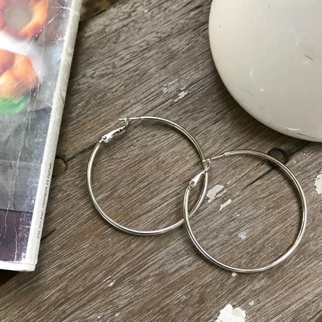 Regis earring