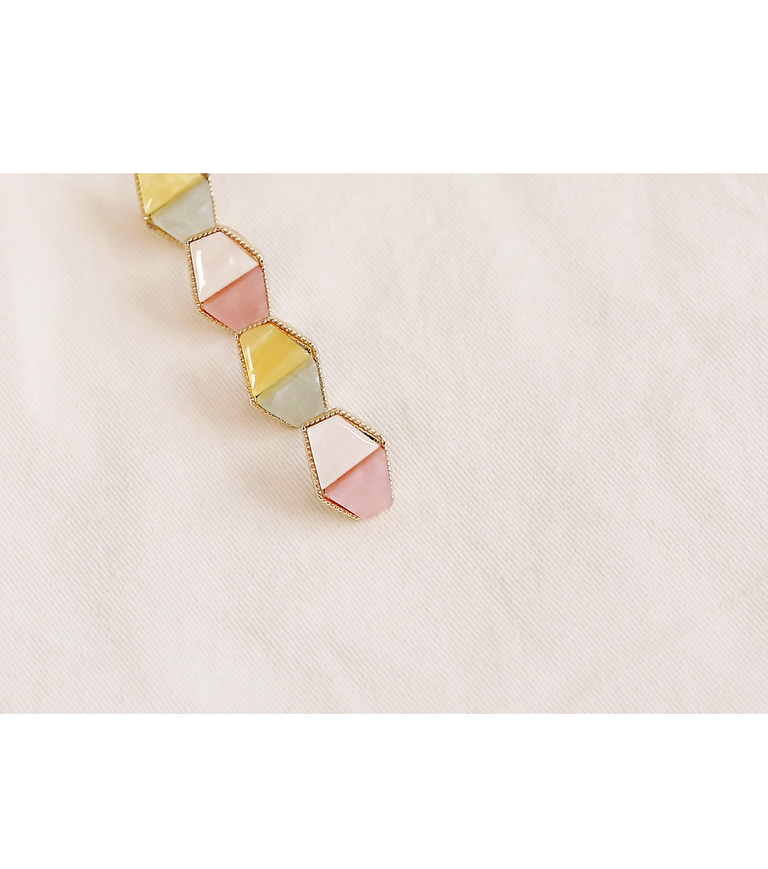 GOLD COLOR POINT SHELL EARRING