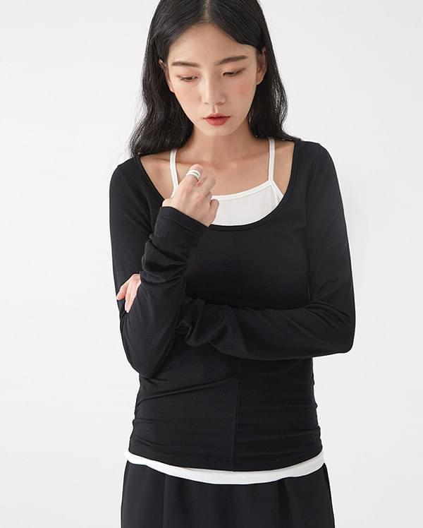 a simple line sleeveless