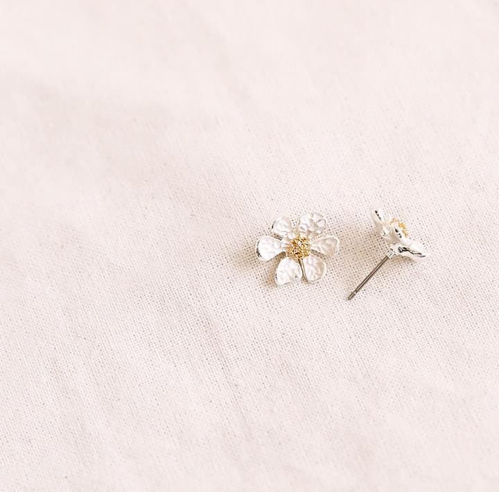 CAMPO FLOWER EARRING