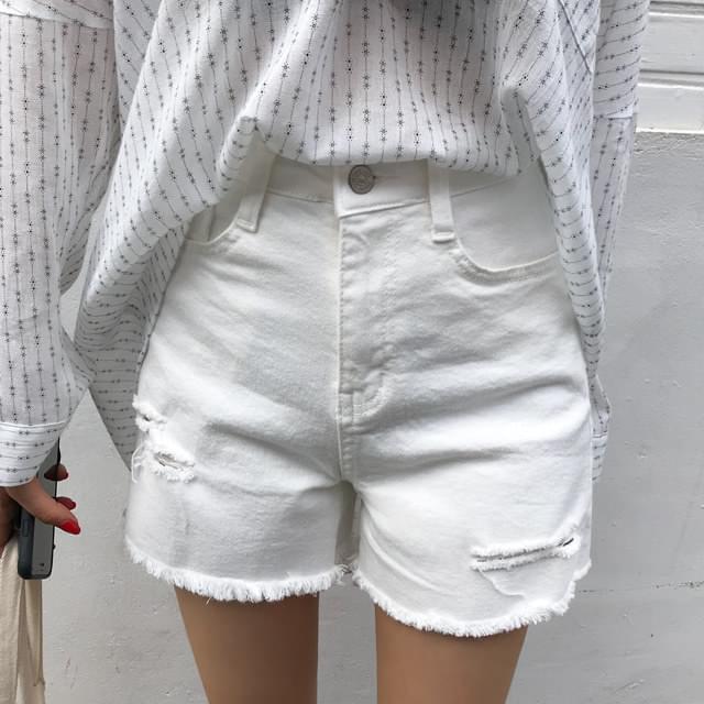 Went-cut cotton pants
