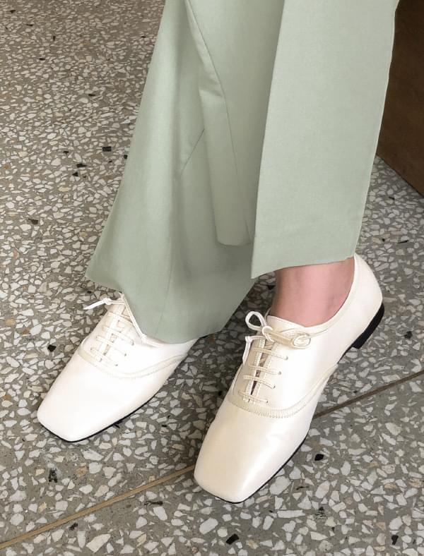 unique square line loafer