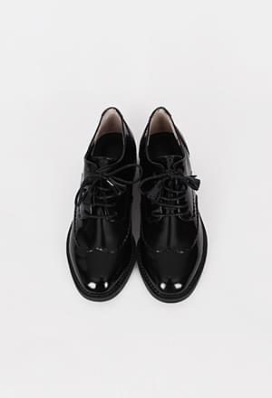Tassel string loafer