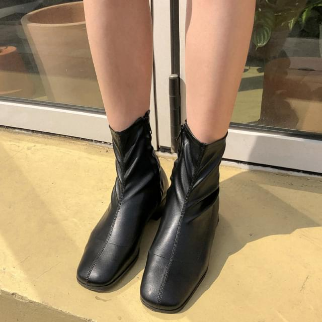 useful slim shape ankle boots