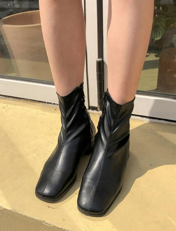 useful slim shape ankle boots