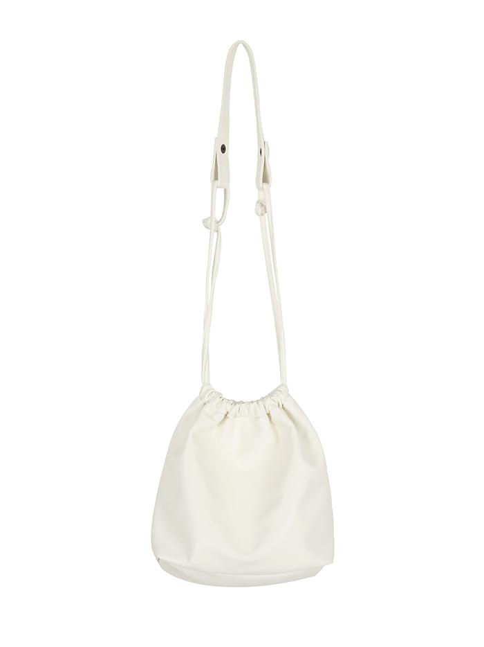 pouch string bag (ivory) 肩背包