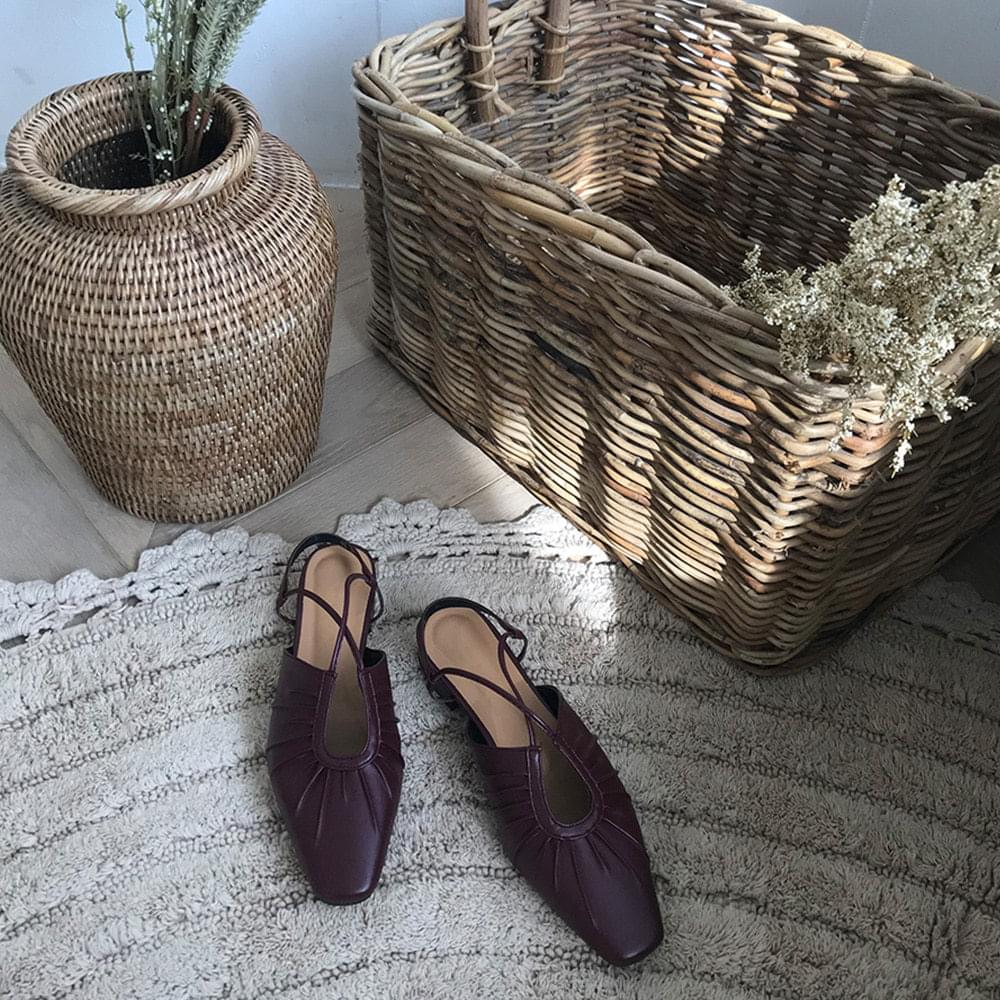 Nuke strap shoes